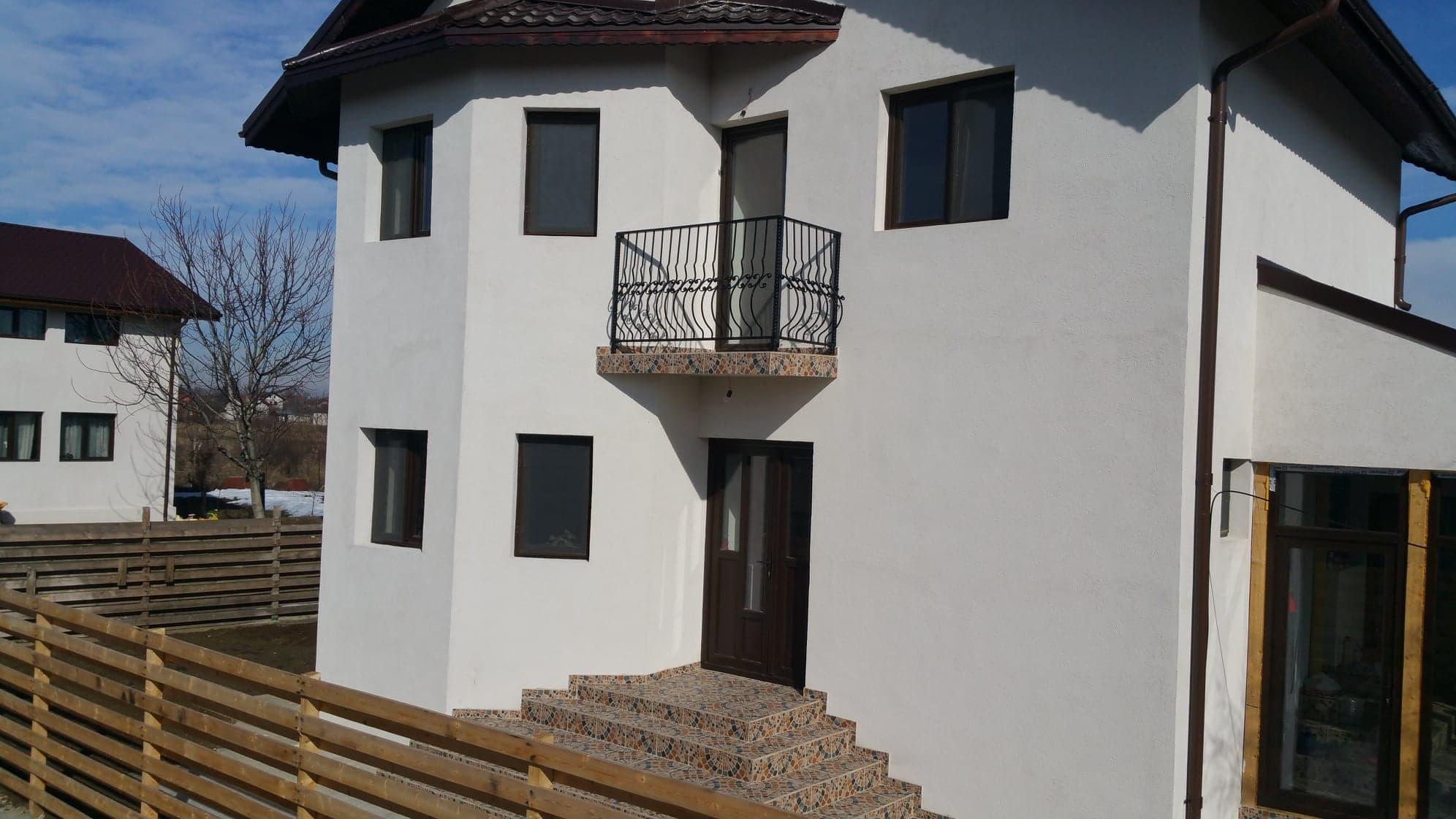 Casa de vanzare in comuna Bacu
